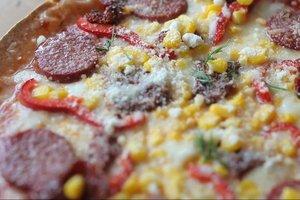 Lavaş ekmekten pizza nasıl yapılır? -