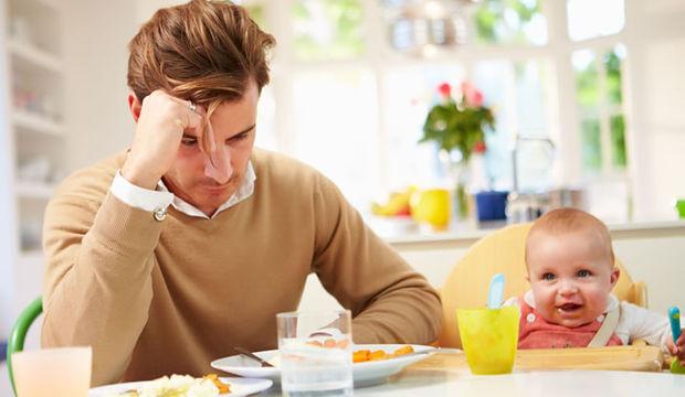 Babalar da doğum sonrasında depresyona giriyor!