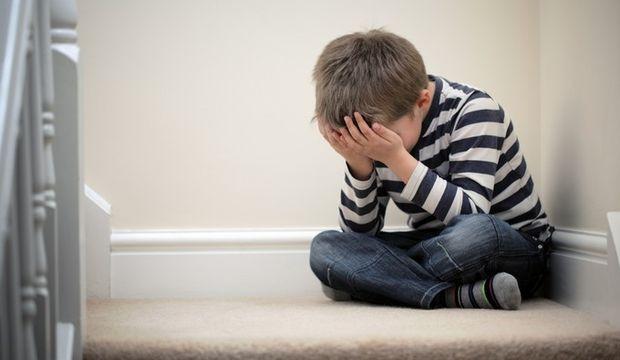 """Erkek çocuğunuza """"Kız gibi ağlama"""" demeyin"""