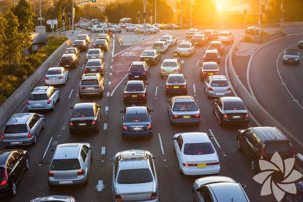 20. Amerikan otoyollarında yaklaşık 123.000.000 araba kullanılıyor.