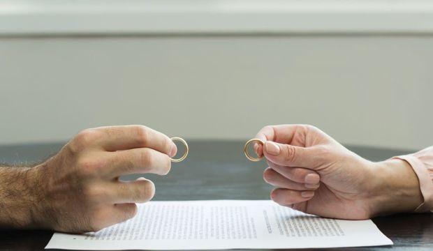 Boşanma evresindeyseniz sosyal medyaya dikkat!