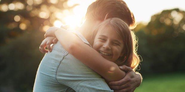 Hiçbir şey babaların şefkatli kollarına benzemez
