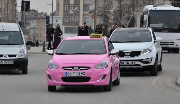 Sivas'ta Pembe Taksi uygulaması başladı