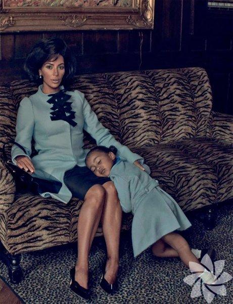 Kim Kardashian, kızı North ile birlikte bir dergiye kapak oldu.