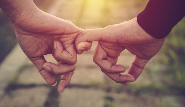 İlişkilerin gizli düşmanı: Bağımlılık