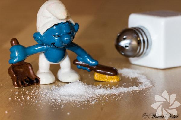 Temizlik süngeri Islak temizlik süngerleri, bakteri gelişimi için mükemmel zemindir; bu yüzden bakteriler kolaylıkla bulaşıklara geçerler. Bakterileri yok etmek için süngerlerinizi her gün yalnızca 2 dakikalığına mikrodalga fırına koyun.
