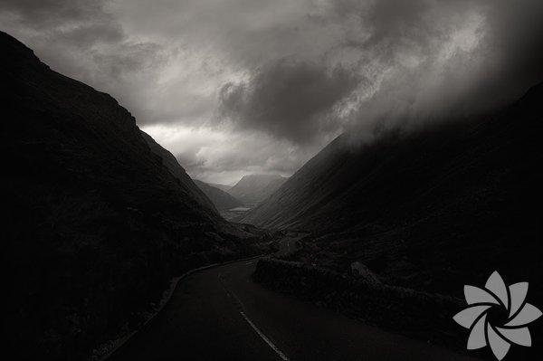 Karanlık yolların çekiciliği
