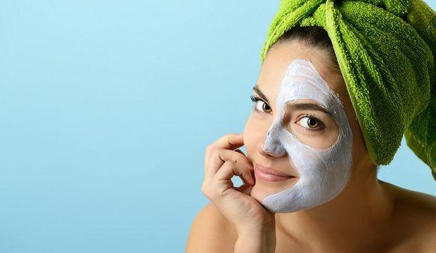 Yağlı ciltler için sivilce maskesi