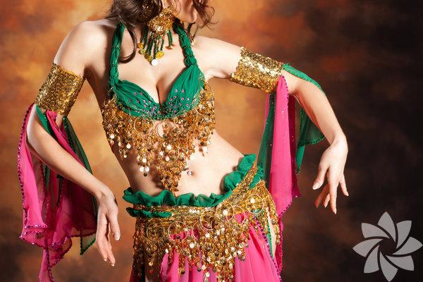 Oryantal ya da göbek dansı olarak bilinen bu dans, dünyanın bilinen en eski danslarından biridir. Oryantal dans yapan kadınlara dansöz veya çengi denilir. İşte adı Türkiye sınırlarını aşmış en bilinen 27 oryantali.