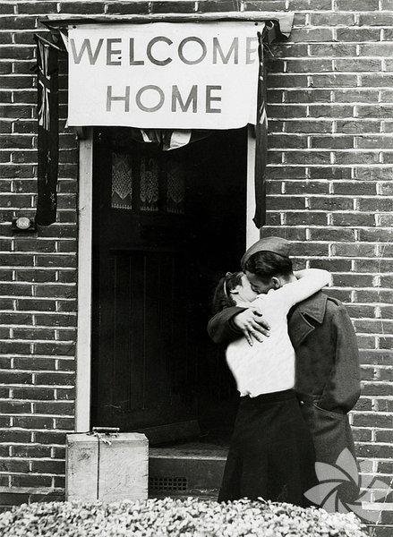 Evine hoşgeldin - 1945