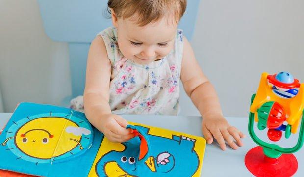 Bebeğinize kitap okumanın üç altın kuralı
