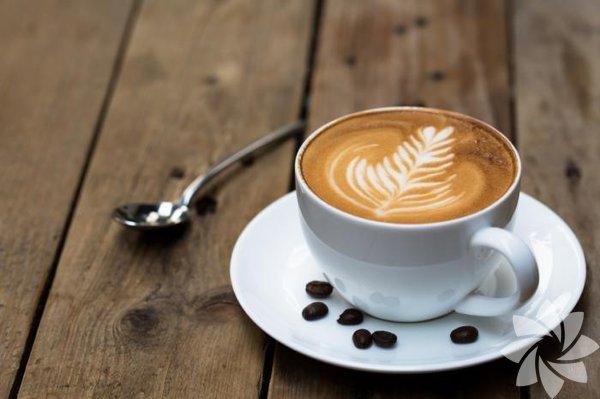 Sahte kahve nasıl anlaşılır? Uzmanlara göre, kavrulmuş mısırdan, dal parçalarına ve parşömene, kahvenizin içerisinde birçok şey bulunabiliyor. Hazır kahveden uzak durmak, gerçeğini elde etmek adına iyi bir ilk adım olabilir; çekirdekleri kendiniz öğütürseniz eğer, çok daha akıllıca davranmış olursunuz.