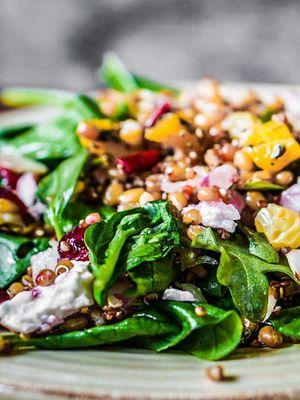 Sonbahara yakışan 10 güz salatası
