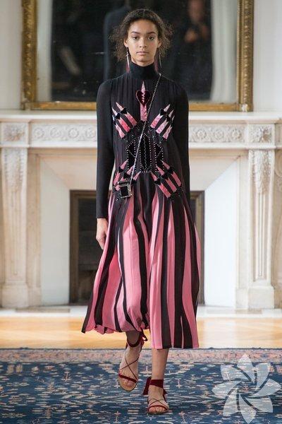 Valentino İlkbahar 2017 Koleksiyonu