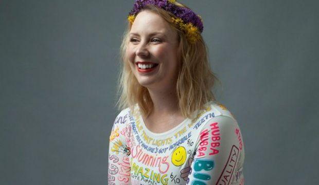 Jojo Oldham vücudu ile ilgili yapılan yorumlardan elbise yaptı