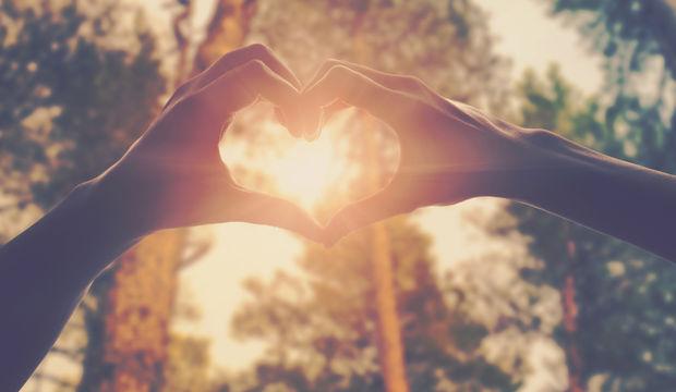 Aşksız geçen ömre yaşam denir mi?