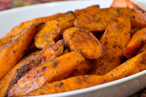 Körili kızarmış havuç parçaları  - Körili kızarmış havuç parçaları yemek masanıza lezzet katacak!