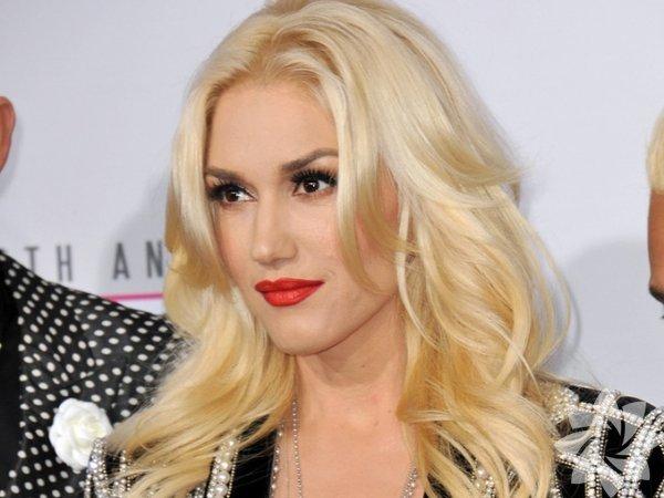 Gwen Stefani No Doubt'ın kurucusu ve vokalisti, üç çocuk annesi Gwen Stefani şimdi 47 yaşında. Evet, gerçekten. İnanın bize. Kontrol ettik.