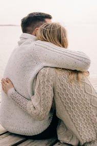 Bir erkek kadına sarıldığında...