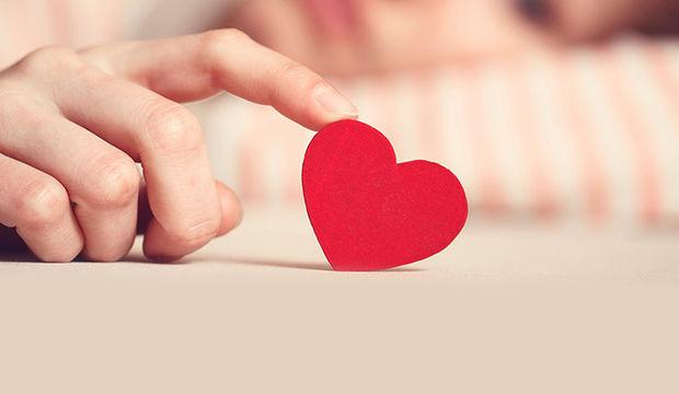 Sevgilinizin mutsuz olduğunu gösteren 10 ipucu