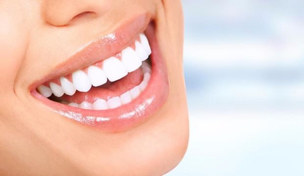 Diş estetiğiyle gülümsemeniz güzelleşiyor