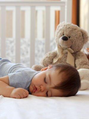 Bebeği kolay uyutmanın altın kuralları