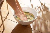 Birkaç adımda pürüzsüz ayaklara kavuşun