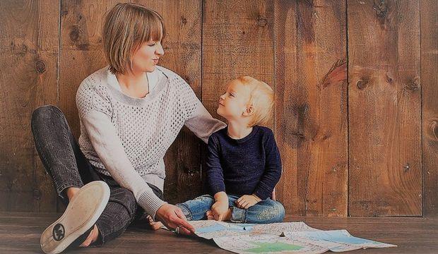 Evde çocuk büyüten anneleri neden eleştiriyoruz?