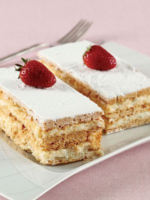 Milföylü yaş pasta