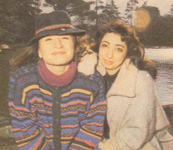 Yasemin Yalçın ve Demet Akbağ... Konservatuar yıllarında başlayan dostlukları sahnede ve televizyonda devam ediyor.
