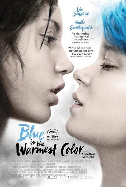 """""""Blue is the Warmest Colour"""" (Mavi En Sıcak Renktir)  2013'te gösterime girmiş olan filmde 15 yaşında bir genç kız olan Adele'in mavi saçlı Emma'ya aşık olması ile başlayan, heteroseksüel önyargılar üzerine düşünmeye iten bir hikaye yer alıyor. Abdellatif Kechiche tarafından yönetilen filmin başrollerini Léa Seydoux, Adèle Exarchopoulos ve Catherine Salée paylaşıyor."""