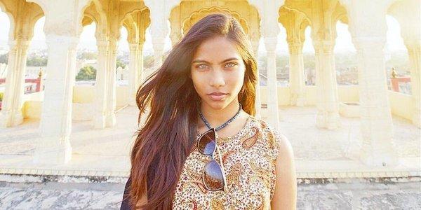 Raudha Athif kimdir? Maldivler'de doğup büyüyen Raudha Athif, Ekim ayında Vogue Hindistan dergisinin kapağına verdiği pozlarla ismini duyurmuştu.