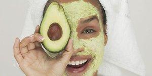 5 farklı avokado yüz maskesi tarifi