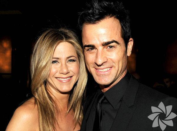 İkisi de dünyaca ünlü oyuncu olan yıldızlar 2015 yılında evlendi.Justin Theroux 45, Jennifer Anistonise 48 yaşında.