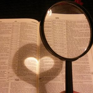 KİTAP OKUYANLAR SEVGİLİ BULMADA DAHA ŞANSLI