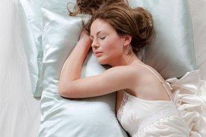 Saten yastıkta uyuyun çünkü...