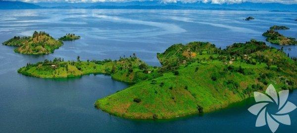 1- Kivu Gölü,Ruanda/Demokratik Kongo Cumhuriyeti Görünüşte çok huzurlu olan bu gölün ölümcül olmasının sebebi karbondioksit ve metan gazlı tabakalarının olması. Gerçekleşecek olan en ufak deprem bile çok büyük bir patlamaya neden olabilir.