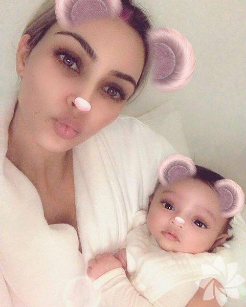 Kim Kardashian ve Rapçi Kanye West çiftinin, taşıyıcı anne yöntemiyle sahip oldukları üçüncü çocukları 26 Ocak'ta dünyaya gelmişti.