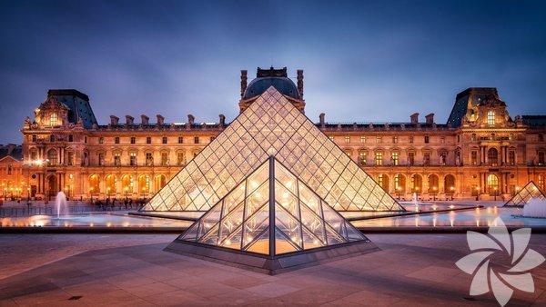 Louvre Müzesi Fransız ihtilâlinden sonra 1793 yılında, Fransa'da açılan ilk devlet müzesi Louvre dünyada en çok ziyaret edilen sanat müzesidir. Siz de Louvre'yi ziyaret edenler arasında olmak istiyorsanız hemen tıklayın!