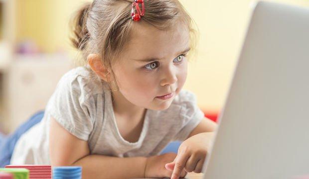Kontrolsüz internet kullanımı kaygı bozukluğu nedeni