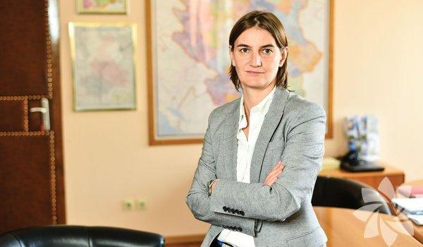 Ana Brnabić Sırbistan Başbakanı Ülkenin ilk kadın başbakanı