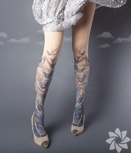 Çorap dövmeler çok moda!