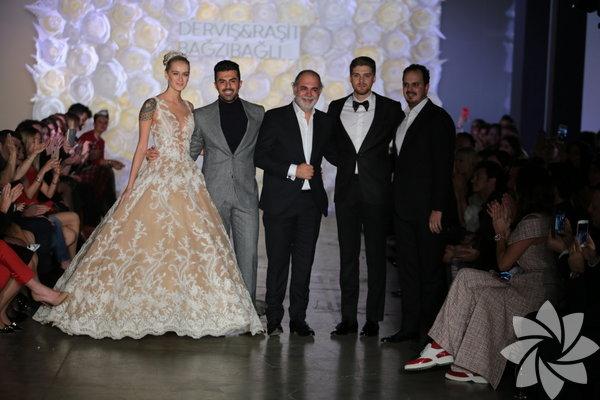 Derviş Bağzıbağlı ve Raşit Bağzıbağlı yeni koleksiyonlarını ilk defa 13 Aralık Çarşamba günü Sofa Otel İstanbul'da podyuma taşıdı.