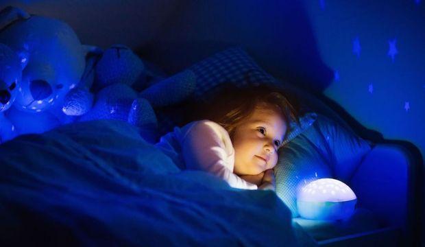 Çocuğunuz karanlıktan korkuyorsa sebebi 'siz' olabilirsiniz