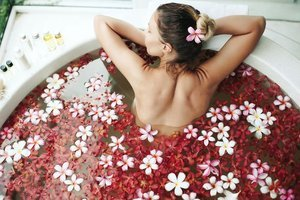 Bitkisel banyolarla dinlenin, gençleşin