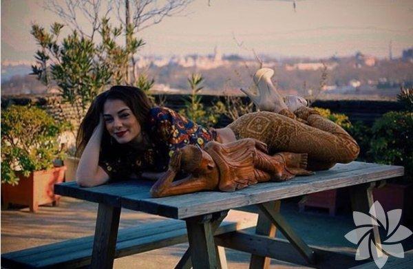 Eva Dedova, Rus asıllı Türk oyuncu.