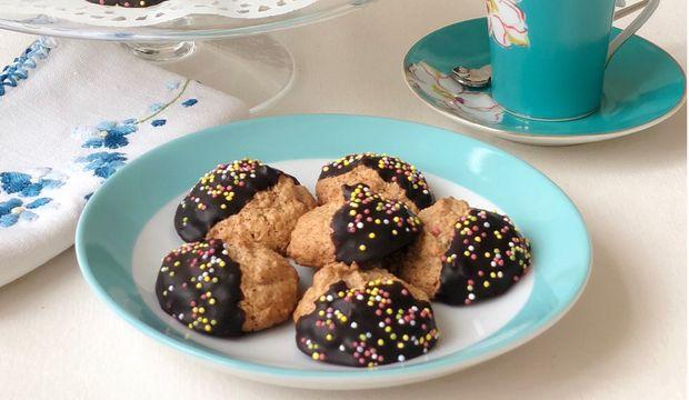 Glutensiz çikolatalı fındıklı beze