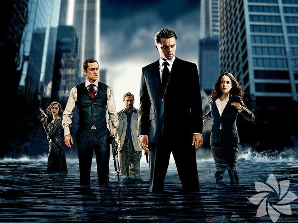 Başlangıç -Inception, (2010) Yönetmen: Christopher Nolan Özel bir makine aracılığıyla insanlar siz hiç fark etmeden rüyalarınıza giriyor, bilgileri çalıyor ya da bilgi tohumları ekiyor... Nolan, insan zihnini çağdaş bir aksiyon filminin malzemesi haline getirirken düşlerde gezen bir adamın trajedisiyle bir soygun öyküsünü birleştiriyor ve özellikle gerçeküstü resimleri andıran rüya sahneleriyle unutulmaz anlara imza atıyor. Seyirci sayısı: 1.103.147