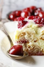 Çocukluğumuzun lezzeti: Muhallebili bisküvi pastası
