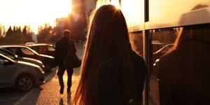 Sevilmemiş kız çocukları yanlış adamları bulurlar
